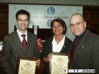 Israel Rolón Barada y Cristina Cerezales Laforet después de ser iniciados en la Orden de los Descubridores por el Secretario Ejecutivo-Tesorero, Mark P. Del Mastro.